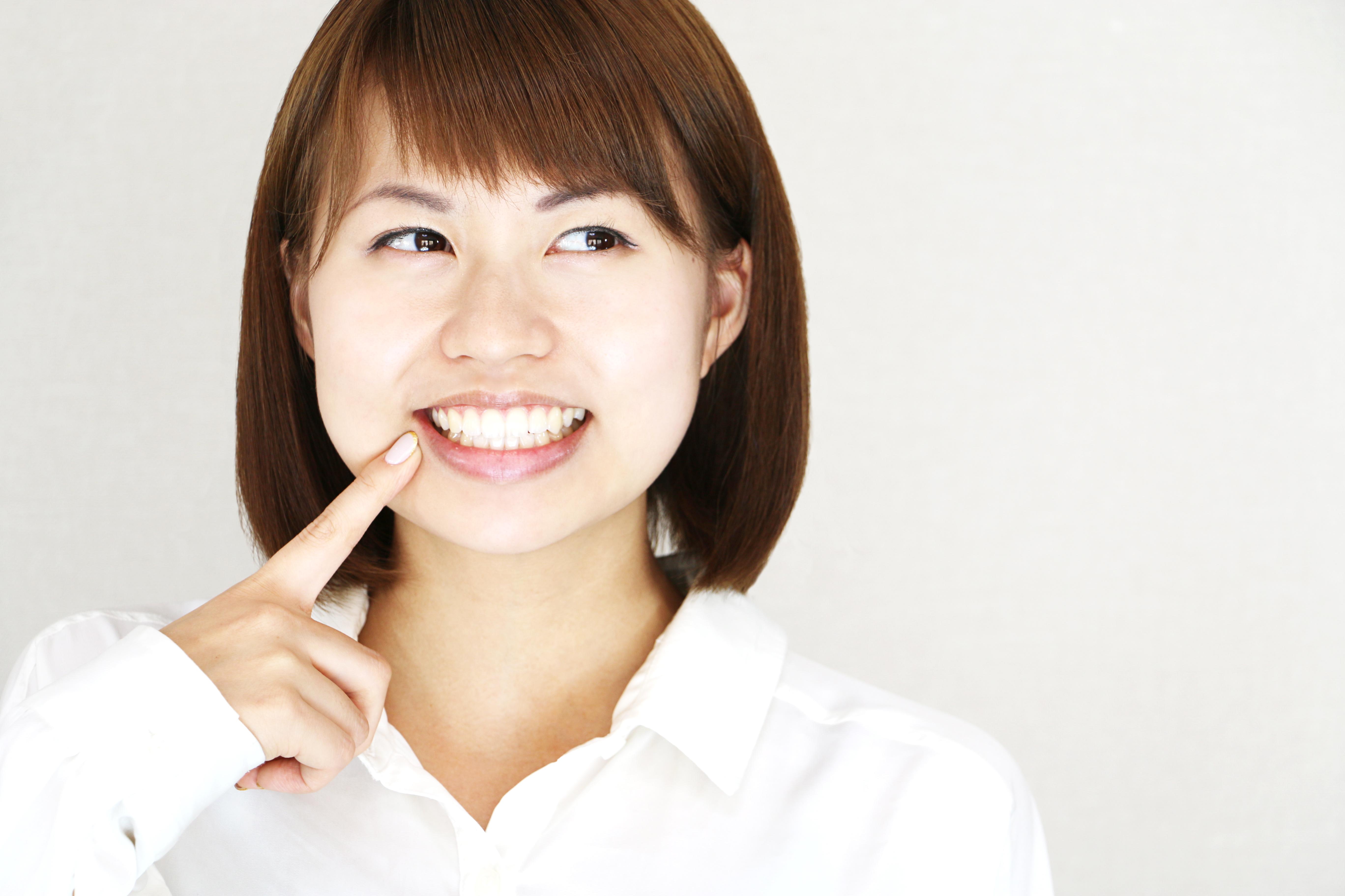 強度のある白い歯『ジルコニアクラウン』を奥歯に入れるメリット