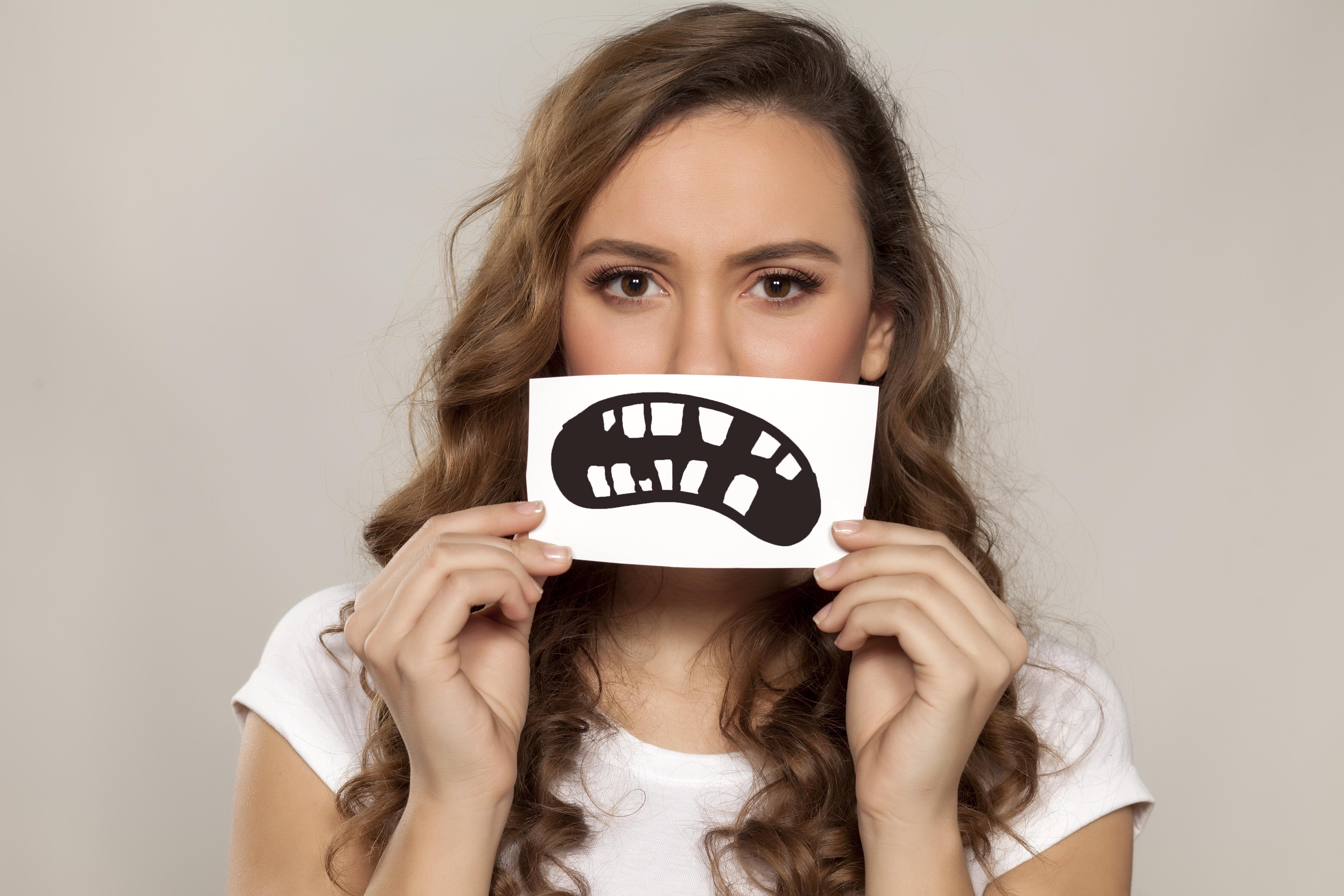 早期接触がおこす歯のトラブルについて知っておきたいこと
