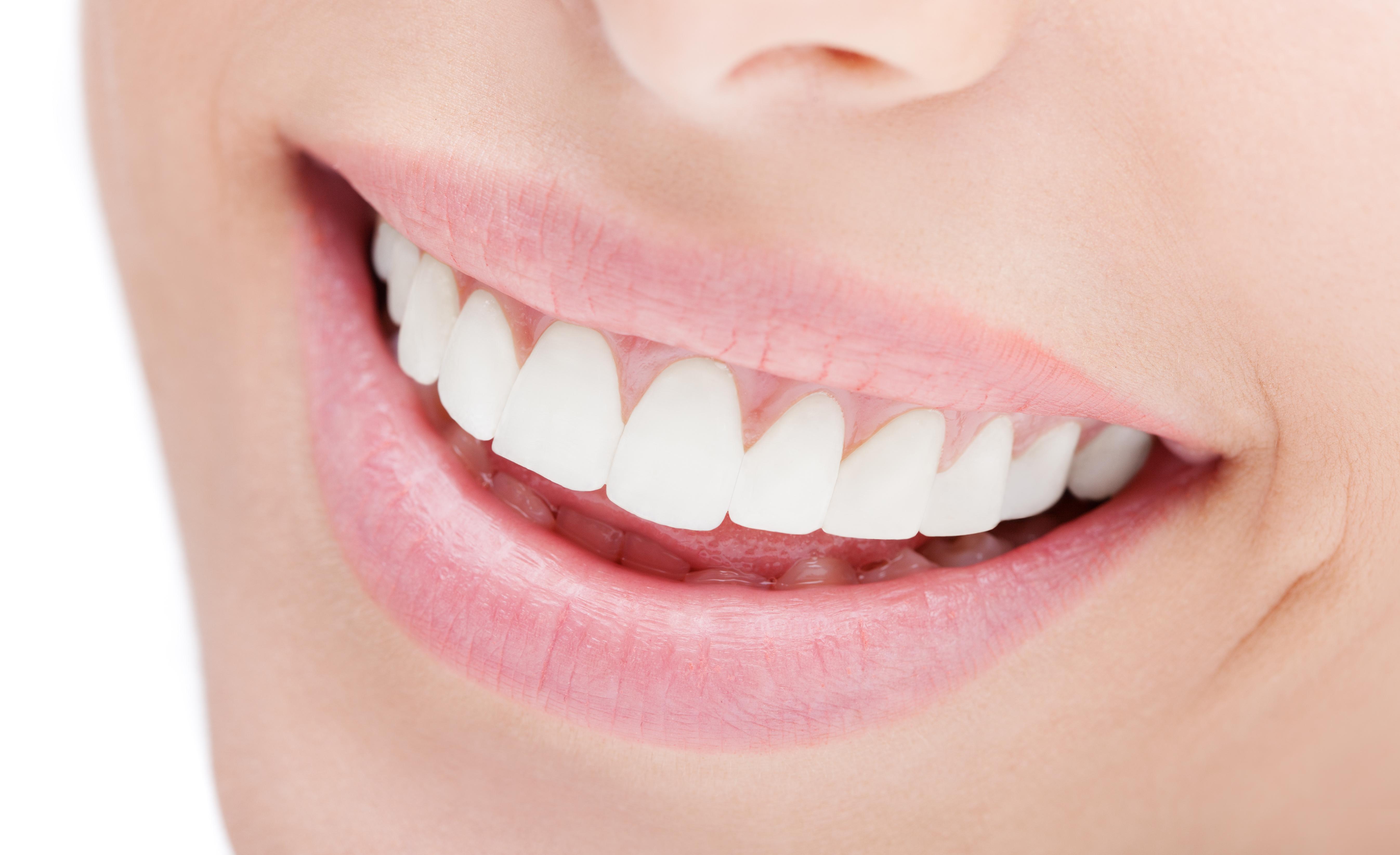 スマイルから診る審美歯科治療。前歯が長い、短いを改善するために知っておきたいこと