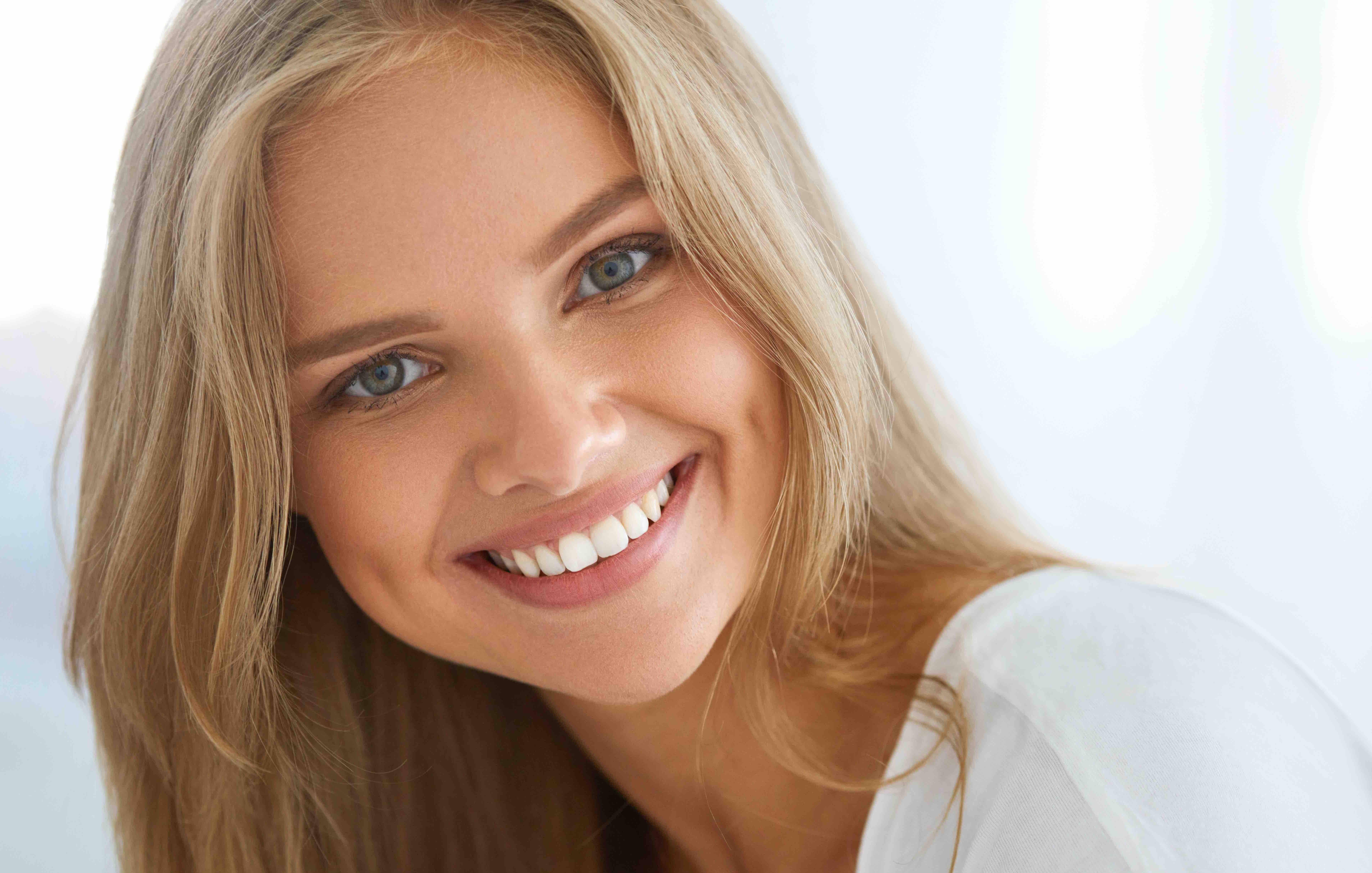 セラミッククラウンで綺麗な差し歯を作る時に行うべき5つのこと