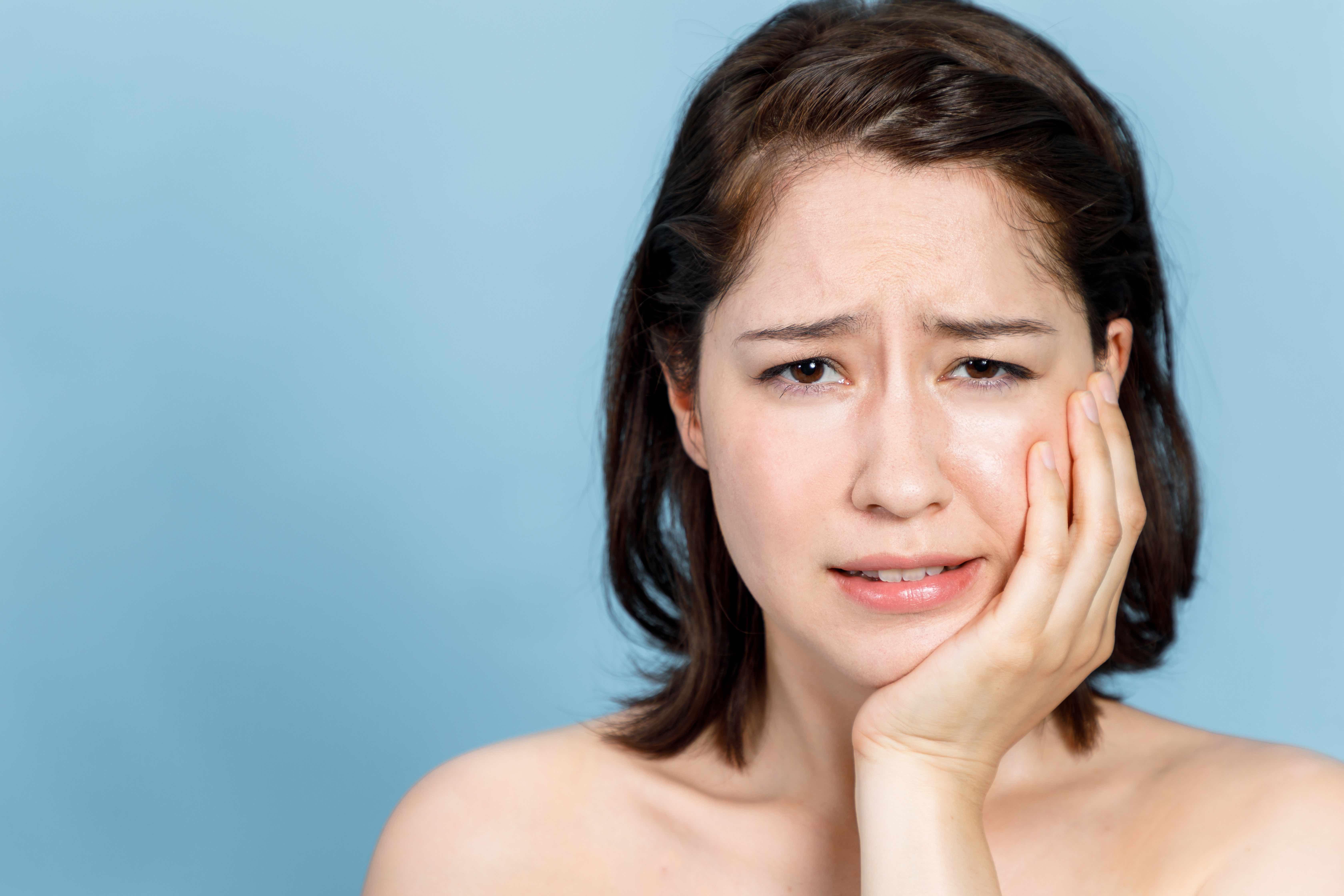 治療したばかりの銀歯が痛むのは象牙細管のせい?噛み合わせのせい?