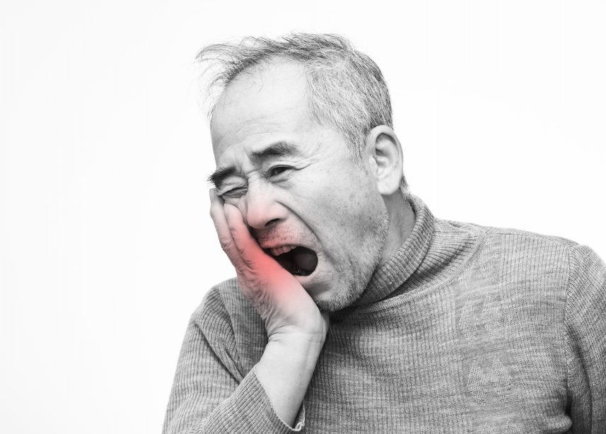 芸能人にも多い顎関節症。歯を削って噛み合わせを変えられる?